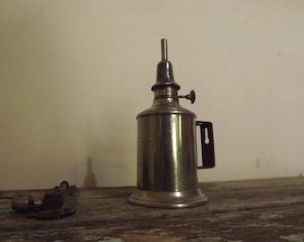 Old French Lampe A Esssance (La Meilleure)