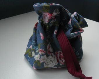 Small purse flower fabric to put small gift