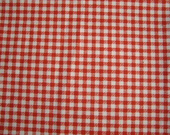 Fabric red gingham, 35 x 65 cm