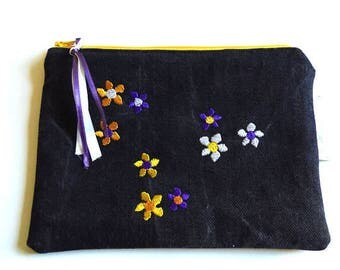 Pouch/clutch. Upcycling. Black denim, flowers and embroidery.