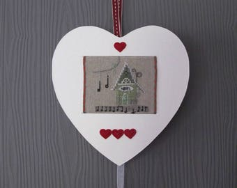 Hanging heart with embroidered hotel and key