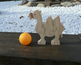 Camel wood puzzle
