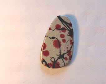 Pearl shape black and Red Stone 35 mm