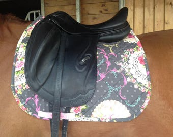 Vintage effect Dressage saddle pad