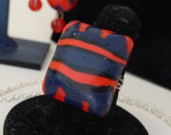 Ring rectangle pattern blue and Red