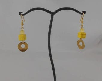 Earrings square yellow ceramic bead 8.5 x 8.5 mm