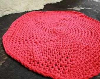 Crochet Rug- red