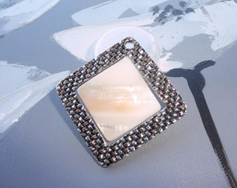 mother of Pearl Square and engraving ornate stainless steel 3.5 cm
