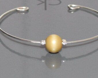 Thin metal and blond yellow Bead Bracelet