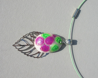 pretty Choker leaf and floral green and pink cabochon