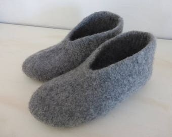 40/41 GREY MEDIUM SIZE FELTED WOOL SLIPPERS