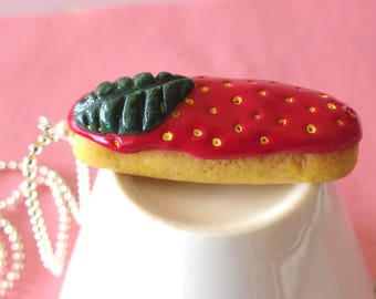 Necklace delicious Strawberry icing zipper