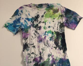 Adult 2XL Green, Black, Purple, and Blue Tie Dye T-Shirt