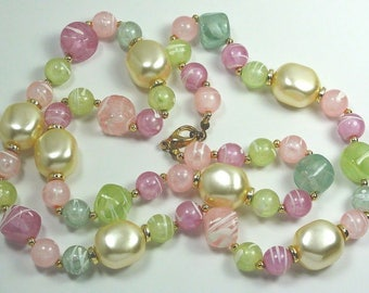 "Vintage Necklace Lovely Pastel Beads Various Shapes length:27"" ET7564"