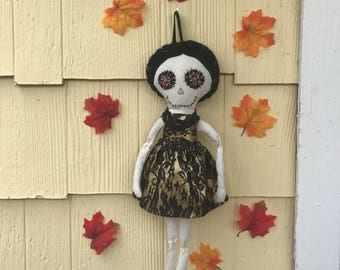 Catrina fabric doll,sugar skull doll,day of the dead doll,skeleton doll,halloween door hanger,día de muertos,sigar skull,rag skeleton doll,