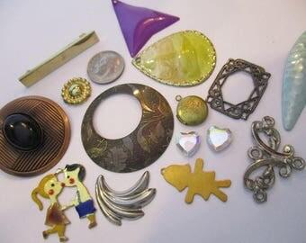 113944: Lot of Vintage Findings