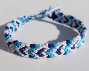 Ocean inspired friendship bracelet with macrame hearts