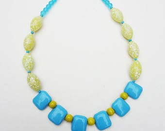 Light turquoise and yellow Choker