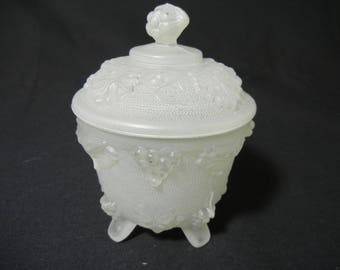 Jeannette Grape and Vine Covered Candy Dish