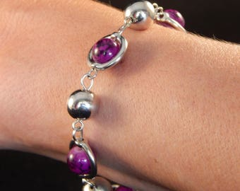 Pretty Bangle bracelet with purple and silver beads