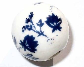 1 Pearl White Flower porcelain blue 15 mm CERC16