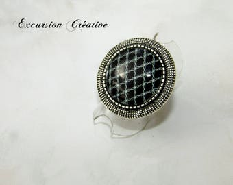 Ring with black and white Argyle Style padded with cabochon glass 20 mm