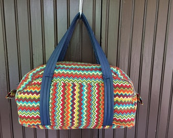 Handmade zippered toiletry/makeup bag- zig zag print