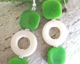 Earrings of TAGUA / vegetable ivory two-tone green and white