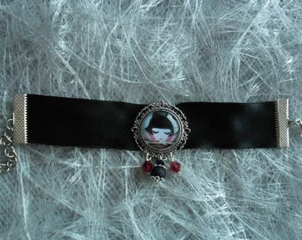 Ribbon and Cabochon bracelet
