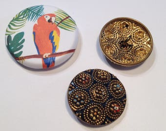 Painted antique metal 2 buttons