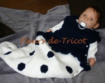 Knitted baby white and Navy Blue sleeper