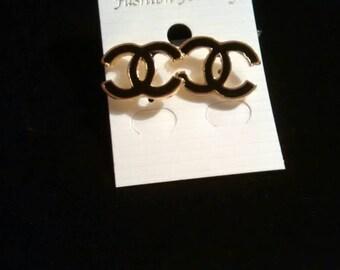 Beautiful cc style earrings