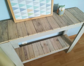 Upcycled pallet wood spirit console