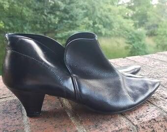 Vintage ankle boots, 60s ankle boots, 1960s boots, 60s booties, vintage mini boots, 1960s black boots, black ankle boots, black mini boots