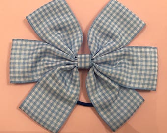 Summer school bow