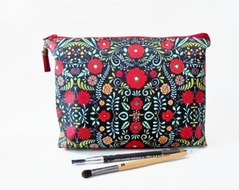 Gifts for her, Folky Cosmetic Pouch, Botanical print, Dumpy bag, womens gift idea, zip bag, make up bag.