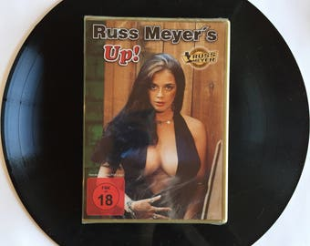 Russ Meyer - UP ! -'76 Cult Sexy  Film - DVD German Edition. Soft core sex Comedy - With The luscious  Raven De La Croix and Kitten Navidad