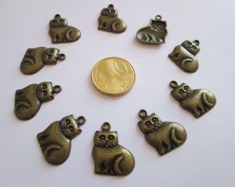 10 breloque chat en métal couleur bronze 19 X 16 mm