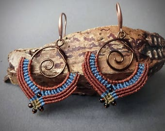 HONEY macrame earrings, Bohemian Rocailles silver lined beads, copper wire, handcrafted earrings, blue brown color
