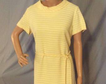 Lemon yellow Sheath Dress, Career,Office, Day Dress  fits like a Medium to Large (8)