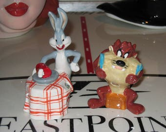 Bugs Bunny and the Tasmanian Devil salt and pepper set from Looney Tunes