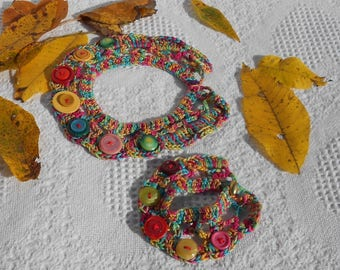 Hand crochet Fun necklace and bracelet set with buttons