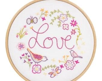 Circle Embroidery Kit - LOVE - Love love