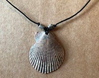 Shell Necklace (B)