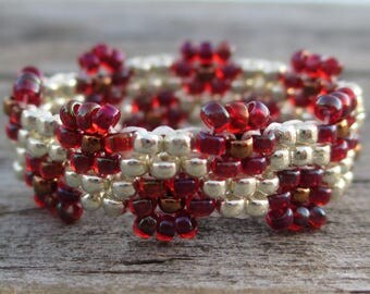Red and silver peyote stitch beaded flower ring