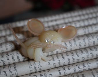 Kitsch brooch little mouse - 70s.