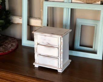 Petite Jewelry Dresser
