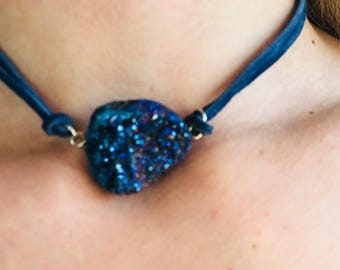 aurora crystal necklace, chocker necklace, dark blue, navy blue, jewelry, crystals