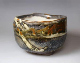 Flowing stroke-Glost-fired Earthen Tea Bowl;Handmade;Taiwan pottery;Japan style;Ceramicware;Unique gift;pottery;chawan;tea ceramony;abstract