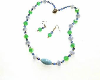 Green and Periwinkle Necklace, Glass Faceted Bead necklace, Beaded Necklace, Single-Strand Necklace